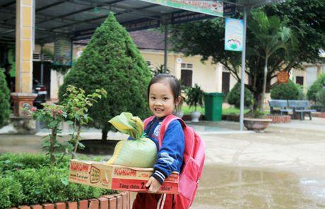 Chuyen hoc o vung ron lu Huong Khe - Anh 2