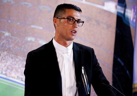 "Ronaldo ky ""ty do"", Barca hua luong Messi cao hon gap doi - Anh 1"