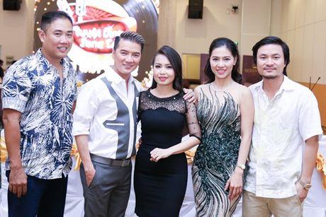 Thien Nhan lon phong phao sau 2 nam dang quang 'Giong hat Viet nhi' - Anh 4