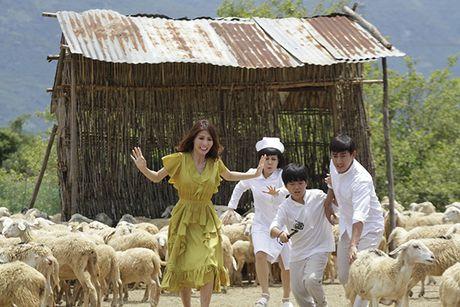 Viet Huong tiep tuc chay dua phim Tet sau liveshow de doi - Anh 3