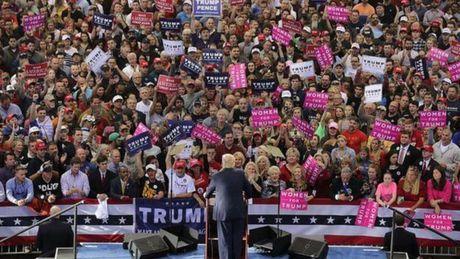 Bau cu My 2016: 5 ly do giup ong Donald Trump thang cu - Anh 1