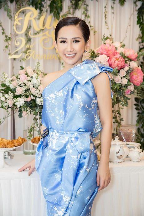 Trai xinh, gai dep cua showbiz Viet den chuc mung 'ba chu' Tram Nguyen - Anh 1