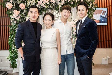 Trai xinh, gai dep cua showbiz Viet den chuc mung 'ba chu' Tram Nguyen - Anh 2