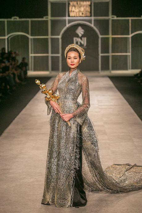 Khoanh khac an tuong tai Tuan le thoi trang Thu Dong 2016 - Anh 5