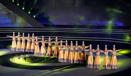 Be mac Lien hoan thanh nien Viet - Trung lan thu III - Anh 3