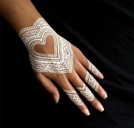 Kho cuong voi nhung hinh xam henna truyen thong - Anh 11