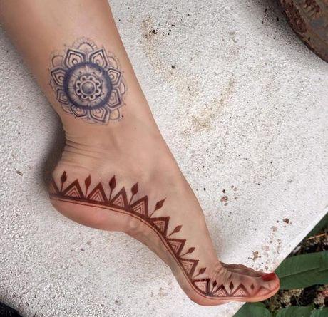 Kho cuong voi nhung hinh xam henna truyen thong - Anh 21