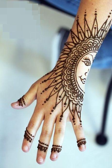 Kho cuong voi nhung hinh xam henna truyen thong - Anh 22