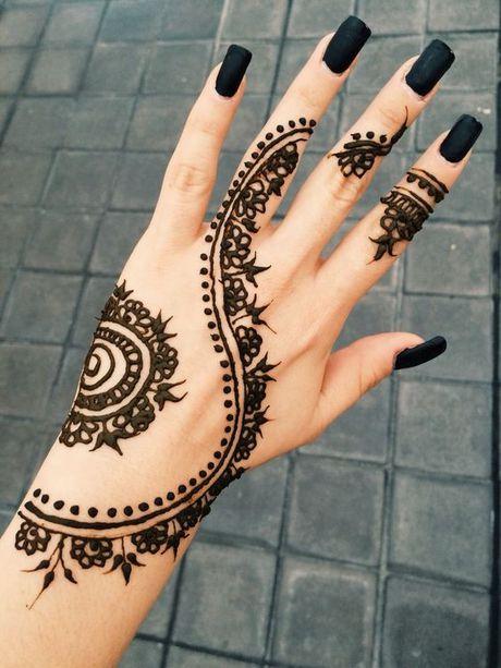 Kho cuong voi nhung hinh xam henna truyen thong - Anh 3