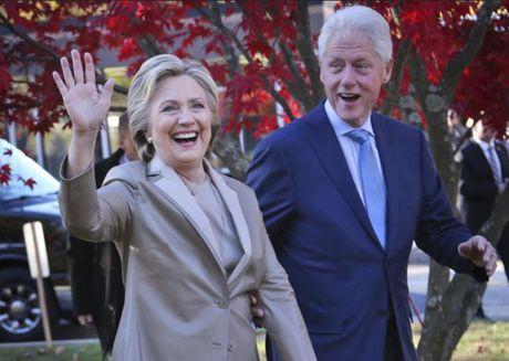 Ung cu vien Tong thong My Hillary Clinton gianh chien thang ap dao o Guam - Anh 1