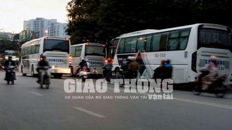 "Xe hop dong cho cong nhan Sam Sung: Man ""ao thuat"" kho tin? - Anh 1"