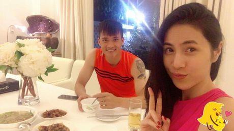 'Tan chay' chung kien khoanh khac Cong Vinh cung chieu Thuy Tien va Banh Gao - Anh 5
