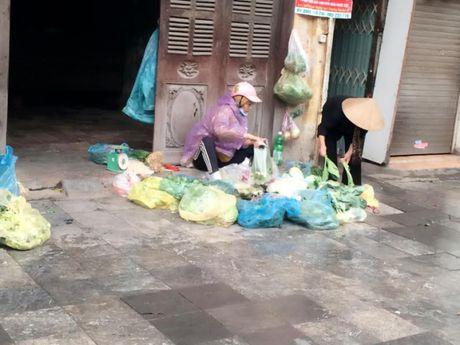 Nguoi Ha Noi co ro don con lanh dau mua - Anh 2