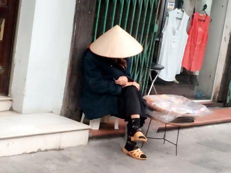 Nguoi Ha Noi co ro don con lanh dau mua - Anh 4