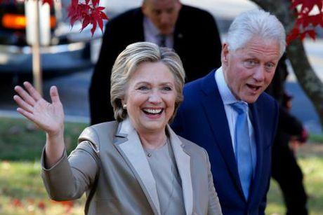 Bau cu My 2016: Ba H.Clinton vuot len dan truoc voi cach biet hai con so - Anh 1