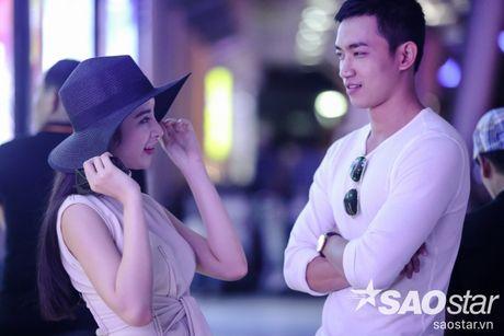 Lien tuc than mat tai san bay, Angela Phuong Trinh - Vo Canh thuc su 'phim gia tinh that'? - Anh 10