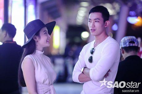 Lien tuc than mat tai san bay, Angela Phuong Trinh - Vo Canh thuc su 'phim gia tinh that'? - Anh 11
