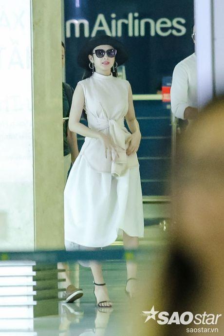 Lien tuc than mat tai san bay, Angela Phuong Trinh - Vo Canh thuc su 'phim gia tinh that'? - Anh 1