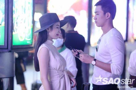 Lien tuc than mat tai san bay, Angela Phuong Trinh - Vo Canh thuc su 'phim gia tinh that'? - Anh 7