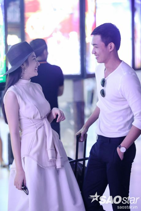 Lien tuc than mat tai san bay, Angela Phuong Trinh - Vo Canh thuc su 'phim gia tinh that'? - Anh 8