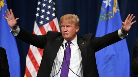 Vi sao ong Donald Trump bat ngo loi nguoc dong gianh chien thang? - Anh 1