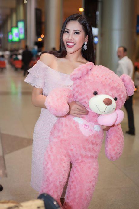Nguyen Thi Loan rang ro ve nuoc sau thanh tich top 20 Miss Grand International - Anh 3
