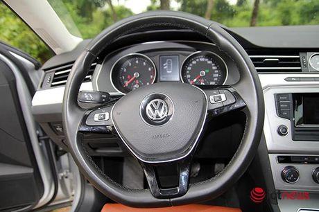 Danh gia Volkswagen Passat 2016: Sang trong, the thao, kien tao cam xuc lai - Anh 10