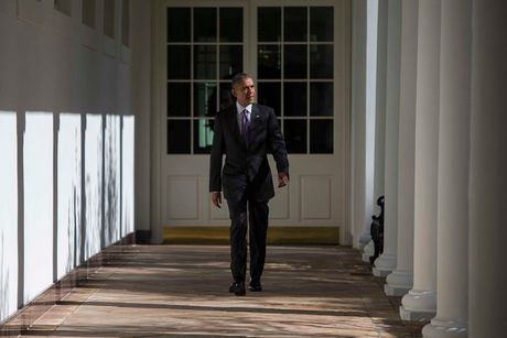 Obama trong ngay bau cu - Anh 1