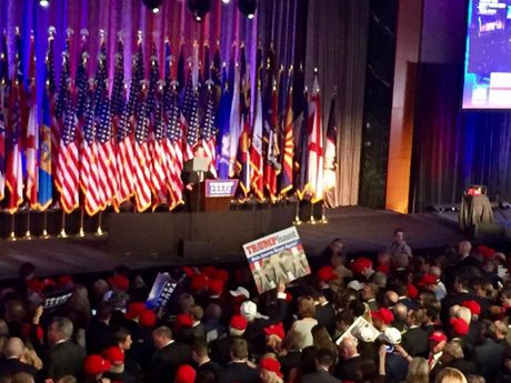 Truc tiep bau cu My: Trump thang dam voi 274 phieu! - Anh 3