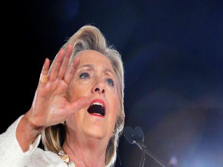 Ba Clinton da 'danh mat' nguoi da den va lop tre? - Anh 1