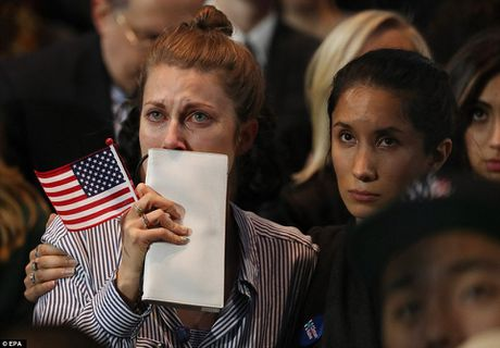 Chum anh: Khoc cuoi cung ong Trump va ba Clinton - Anh 12