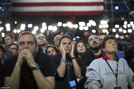 Chum anh: Khoc cuoi cung ong Trump va ba Clinton - Anh 6