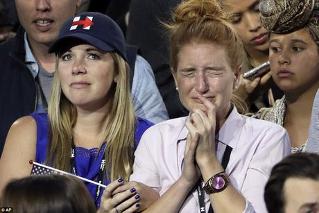 Chum anh: Khoc cuoi cung ong Trump va ba Clinton - Anh 9