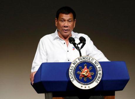 Duterte va hang loat chinh khach chuc mung ong Trump - Anh 1