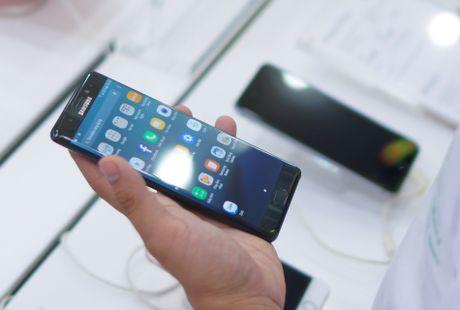 Phan ham hiu cua nhieu smartphone bom tan tai Viet Nam - Anh 2