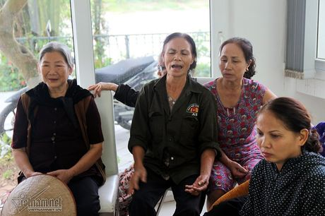 Ha Noi: Nga bo chung vi nghia trang moc sat nach - Anh 2