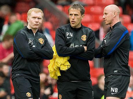 Man United muon gay soc, moi Paul Scholes tro lai Old Trafford - Anh 2