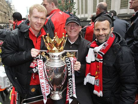 Man United muon gay soc, moi Paul Scholes tro lai Old Trafford - Anh 8