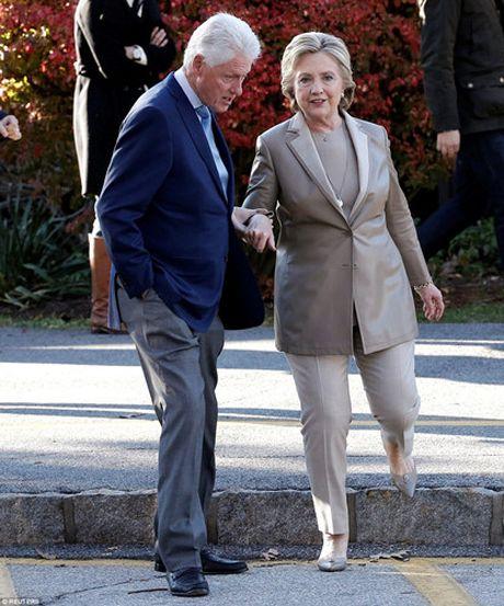 Chum anh gia dinh ba Clinton di bo phieu bau Tong thong - Anh 10