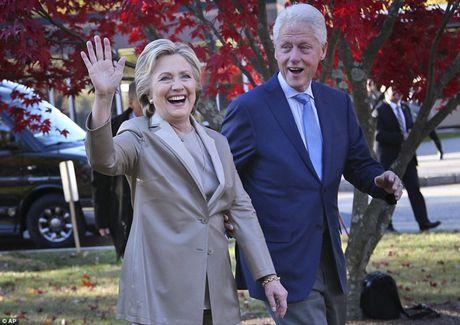 Chum anh gia dinh ba Clinton di bo phieu bau Tong thong - Anh 3