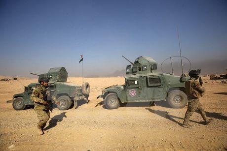 Gan 42.000 nguoi phai roi bo thanh pho Mosul di lanh nan - Anh 1