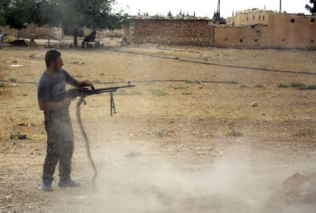 Syria: 6.000 tay sung thanh chien dang tan cong phia Dong Aleppo - Anh 1