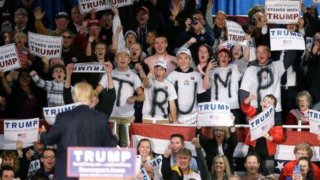 Nhung nguoi bo phieu cho Donald Trump la ai? - Anh 2