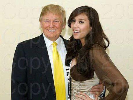 A hau Viet chup anh cung Donald Trump va catwalk qua dinh - Anh 2