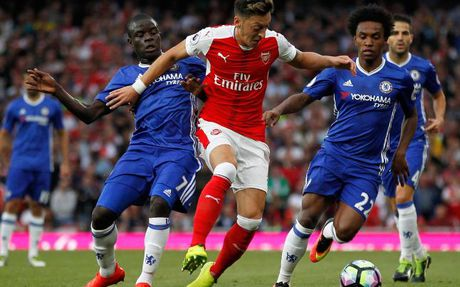 Ban tin 0h ngay 10/11: Ozil khong du trinh da cho Chelsea - Anh 2