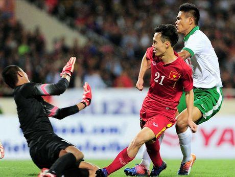 Huu Thang chon xong hang tien ve DT Viet Nam cho AFF Cup 2016? - Anh 1
