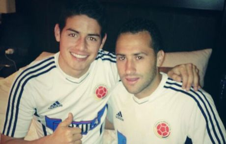 David Ospina ke lai chang duong bien James Rodriguez thanh em re - Anh 1