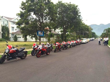 Sieu moto, xe hop 'khung' ruoc dau tai Nha Trang - Anh 4