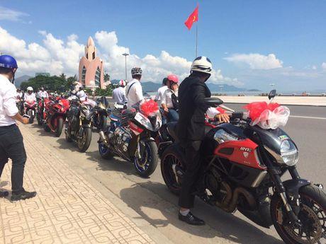 Sieu moto, xe hop 'khung' ruoc dau tai Nha Trang - Anh 9
