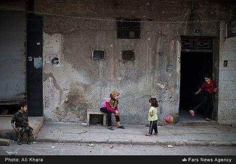 Cuoc song o khu dan cu rinh rap hiem nguy tai Aleppo - Anh 8